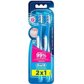 Escova dental Oral B Pro-Saúde 7 Benefícios Leve 2 Pague 1