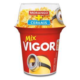 Iogurte Vigor mix polpa de morango + sucrilhos 165g